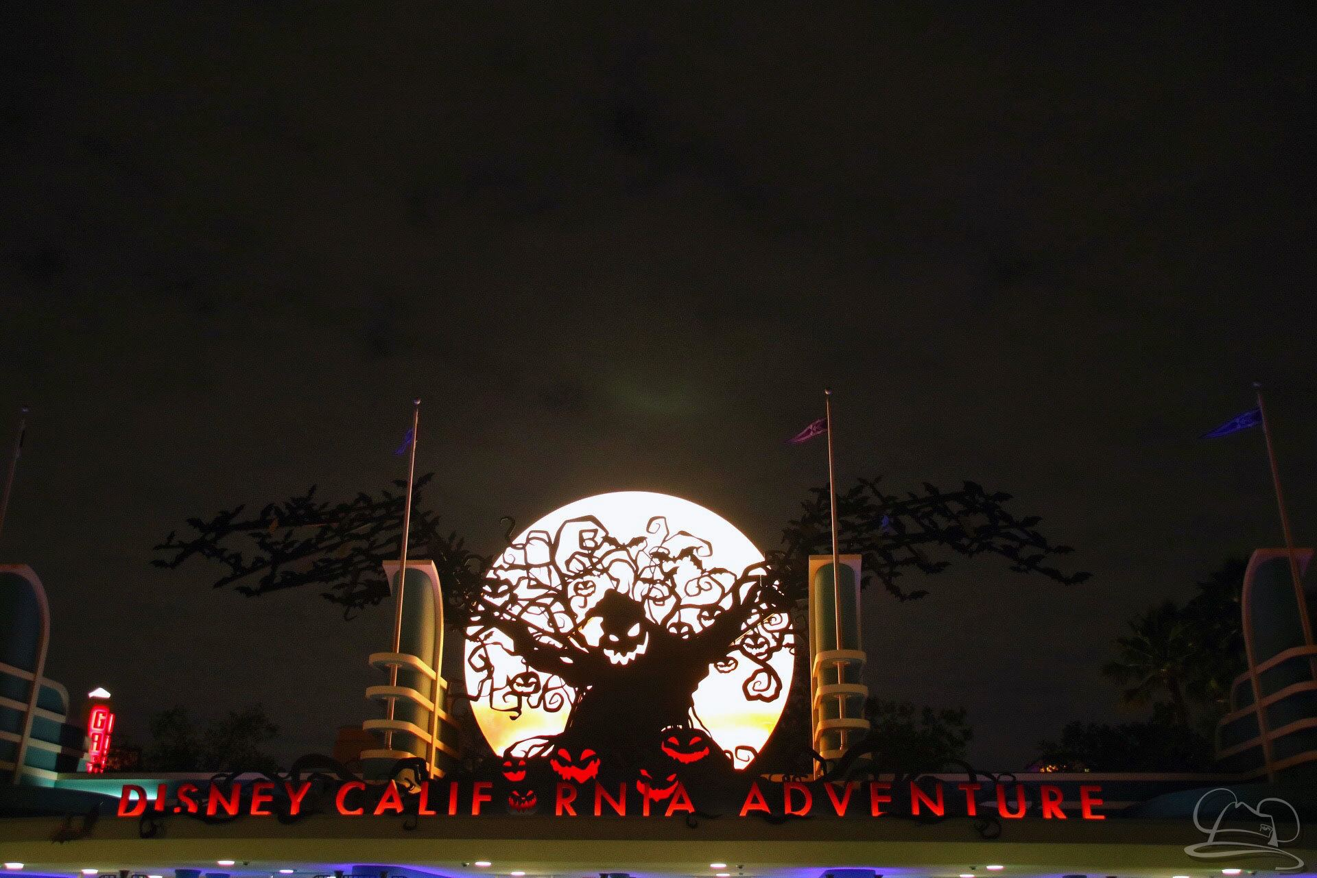 Halloween Time - Oogie Boogie - Disney California Adventure Entrance