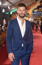 """HOLLYWOOD, CA - OCTOBER 10: Actor Chris Hemsworth at The World Premiere of Marvel Studios' """"Thor: Ragnarok"""" at the El Capitan Theatre on October 10, 2017 in Hollywood, California. (Photo by Alberto E. Rodriguez/Getty Images for Disney) *** Local Caption *** Chris Hemsworth"""