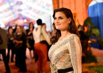 "HOLLYWOOD, CA - NOVEMBER 08: Actor Idina Menzel of ""Olafís Frozen Adventure"" at the U.S. Premiere of Disney-Pixarís ""Coco"" at the El Capitan Theatre on November 8, 2017, in Hollywood, California. ""Olafís Frozen Adventure"" featurette opens in front of Disney-Pixarís original feature ìCocoî for a limited time. (Photo by Alberto E. Rodriguez/Getty Images for Disney) *** Local Caption *** Idina Menzel"