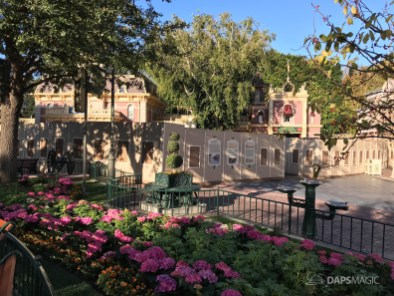 Disneyland Town Square Bricks With Walls Down in Spring-19