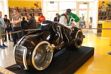 Tron Lightcycle Lego Store-7
