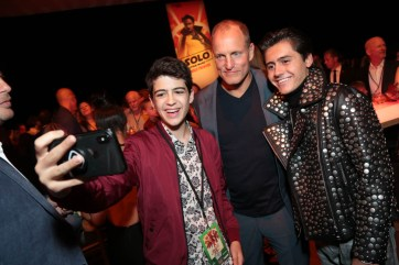 "Joshua Rush, Woody Harrelson and Isaak Presley pose for a selfie during the after party at the world premiere of ""Solo: A Star Wars Story"" in Hollywood on May 10, 2018. (Photo: Alex J. Berliner/ABImages)"