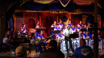 Gordon Goodwin and 2018 Disneyland Resort All American College Band-1