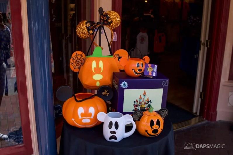 2018 Halloween Merchandise at the Disneyland Resort-1