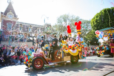 Mickey Mouse Minnie Mouse 90th Birthday Cavalcade
