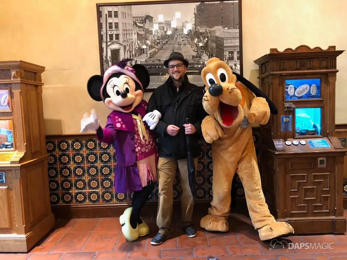 8d03c5a9ccb How to Dress For a Rainy Day at the Disneyland Resort - DAPS TIPS