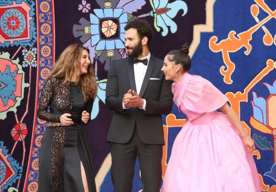 """LOS ANGELES, CA - MAY 21: (L-R) Actors Nasim Pedrad, Marwan Kenzari and Naomi Scott attend the World Premiere of Disney's """"Aladdin"""" at the El Capitan Theater in Hollywood CA on May 21, 2019, in the culmination of the film's Magic Carpet World Tour with stops in Paris, London, Berlin, Tokyo, Mexico City and Amman, Jordan. (Photo by Jesse Grant/Getty Images for Disney) *** Local Caption *** Nasim Pedrad; Marwan Kenzari; Naomi Scott"""