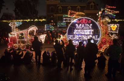 """The nostalgic fan-favorite Main Street Electrical Parade will once again create magical summer memories for guests of all ages at Disneyland Park, with a limited-time encore engagement taking place nightly, from Aug. 2 – Sept. 30, 2019. The nighttime spectacle features half-million sparkling lights and """"electro-syntho-magnetic musical sounds."""" Disneyland Resort is located in Anaheim, Calif. (Scott Brinegar/Disneyland)"""