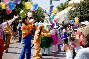 Disneyland 64th Birthday Cavalcade-27