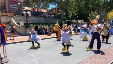 First Performance- Mickey and Friends Band-Tastic Cavalcade at Disneyland-10