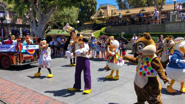 First Performance- Mickey and Friends Band-Tastic Cavalcade at Disneyland-14