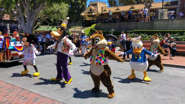 First Performance- Mickey and Friends Band-Tastic Cavalcade at Disneyland-15