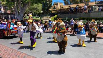 First Performance- Mickey and Friends Band-Tastic Cavalcade at Disneyland-20