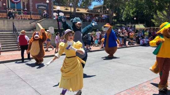 First Performance- Mickey and Friends Band-Tastic Cavalcade at Disneyland-31