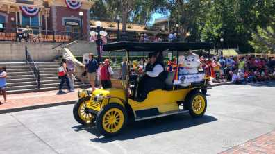 First Performance- Mickey and Friends Band-Tastic Cavalcade at Disneyland-34