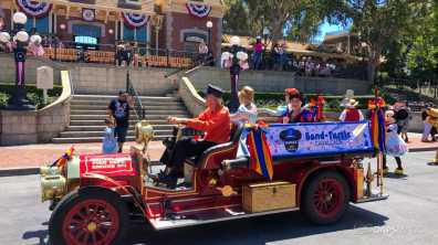 First Performance- Mickey and Friends Band-Tastic Cavalcade at Disneyland-9