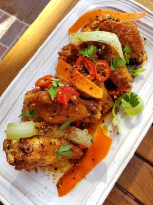 GCH Craftsman Bar & Grill Garlic-Soy-Glazed Chicken Wings_03