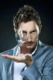 Mentalist, Lior Suchard, of Celebrity Brain Games. (Photo credit: National Geographic)