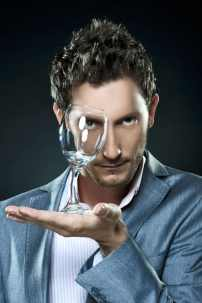 Mentalist, Lior Suchard, of Celebrity Brain Games. (Photo credit: National Geographic)