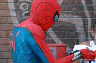 Spider-Man With New Suit at Disney California Adventure-2