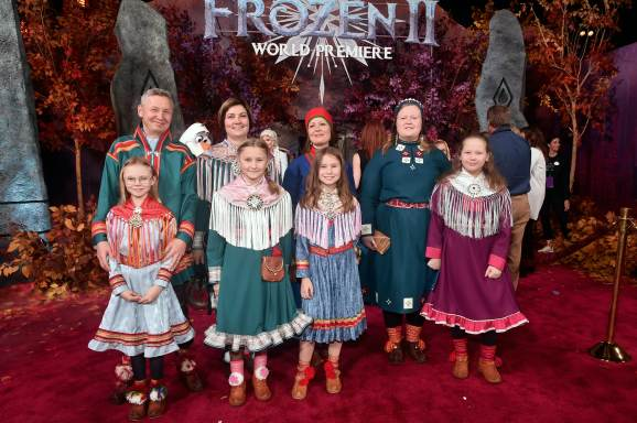 "HOLLYWOOD, CALIFORNIA - NOVEMBER 07: Per Olof Nutti (2nd from L) and guests attend the world premiere of Disney's ""Frozen 2"" at Hollywood's Dolby Theatre on Thursday, November 7, 2019 in Hollywood, California. (Photo by Alberto E. Rodriguez/Getty Images for Disney)"