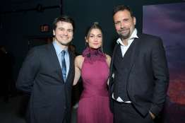 """HOLLYWOOD, CALIFORNIA - NOVEMBER 07: (L-R) Actor Jason Ritter, Actress Rachel Matthews, and Actor Jeremy Sisto attend the world premiere of Disney's """"Frozen 2"""" at Hollywood's Dolby Theatre on Thursday, November 7, 2019 in Hollywood, California. (Photo by Charley Gallay/Getty Images for Disney)"""