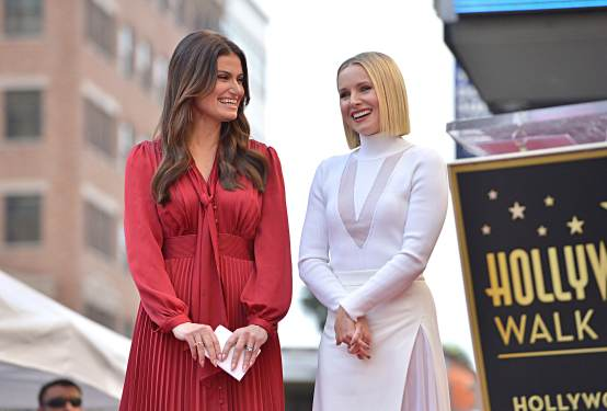 LOS ANGELES, CALIFORNIA - NOVEMBER 19: Idina Menzel and Kristen Bell from Disney's FROZEN 2 were each presented with a star on the Hollywood Walk of Fame in a double Walk of Fame ceremony in Hollywood, Calif., on November 19, 2020. (Photo by Charley Gallay/Getty Images for Disney )