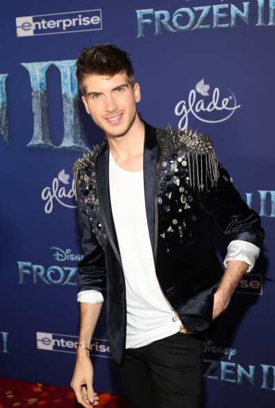 """HOLLYWOOD, CALIFORNIA - NOVEMBER 07: Joey Graceffa attends the world premiere of Disney's """"Frozen 2"""" at Hollywood's Dolby Theatre on Thursday, November 7, 2019 in Hollywood, California. (Photo by Jesse Grant/Getty Images for Disney)"""