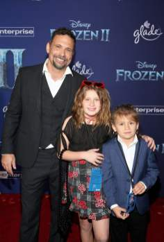 "HOLLYWOOD, CALIFORNIA - NOVEMBER 07: (L-R) Actor Jeremy Sisto, Charlie Ballerina Sisto, and Bastian Kick Sisto attend the world premiere of Disney's ""Frozen 2"" at Hollywood's Dolby Theatre on Thursday, November 7, 2019 in Hollywood, California. (Photo by Jesse Grant/Getty Images for Disney)"