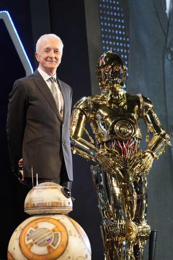 TOKYO, JAPAN - DECEMBER 11: Anthony Daniels poses with C-3PO and BB-8 at the special fan event for 'Star Wars: The Rise of Skywalker' at Roppongi Hills on December 11, 2019 in Tokyo, Japan. (Photo by Christopher Jue/Getty Images for Disney)