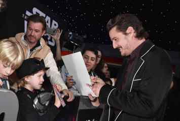 "HOLLYWOOD, CALIFORNIA - DECEMBER 16: Pedro Pascal arrives for the World Premiere of ""Star Wars: The Rise of Skywalker"", the highly anticipated conclusion of the Skywalker saga on December 16, 2019 in Hollywood, California. (Photo by Alberto E. Rodriguez/Getty Images for Disney)"