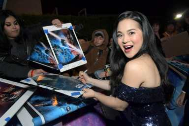 "HOLLYWOOD, CALIFORNIA - DECEMBER 16: Kelly Marie Tran arrives for the World Premiere of ""Star Wars: The Rise of Skywalker"", the highly anticipated conclusion of the Skywalker saga on December 16, 2019 in Hollywood, California. (Photo by Charley Gallay/Getty Images for Disney)"