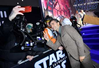 "LONDON, ENGLAND - DECEMBER 18: Oscar Isaac attends the European premiere of ""Star Wars: The Rise of Skywalker"" at Cineworld Leicester Square on December 18, 2019 in London, England. (Photo by Gareth Cattermole/Getty Images for Disney)"