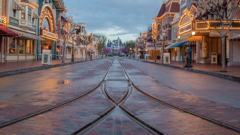 Frontierland entrance