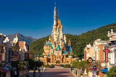 Castle of Magical Dreams Hong Kong Disneyland-5