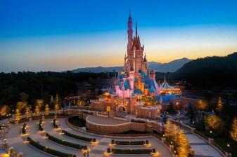 Castle of Magical Dreams Hong Kong Disneyland-8