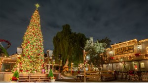 Knott's Berry Farm at Christmas - Featured Image