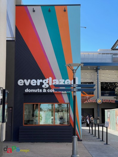 Everglazed Donuts & Cold Brew Opening Day-1