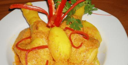 Resep Lontong Komplit Lebaran ayam semur santan