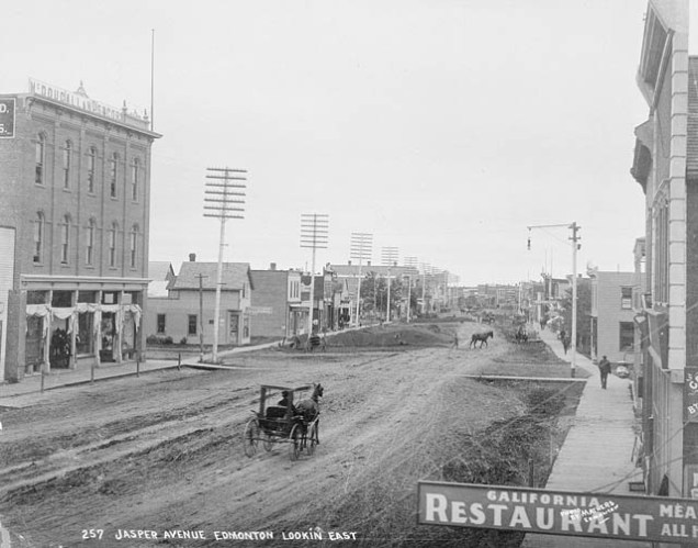 Fort Edmonton 1900 www.collectionscanada.gc.ca