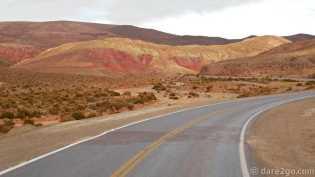 colourful mountains on the last (unexpected) climb up Abra de Potrerillos after Salinas Grandes