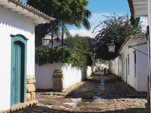 One of the smaller side lanes. Paraty's streets are regularly flooded by high tides and the water drains away slowly – hence the puddles.