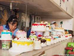A colourful cake stall at the 'Mercado Central' in Sucre. Many cakes in Bolivia are actually quite good and not too sweet.