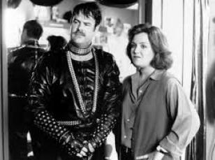 Dan Aykroyd and Rosie O'Donnell in Exit to Eden