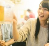 嬉しかった♡職場の飲み会で、女子の評価がグッと上がる男性の行動7つ
