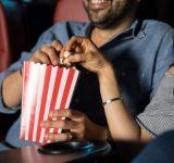 付き合う前の「映画デート」で男性にやられたら女性がキュンとする行動6つ