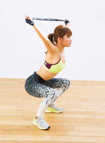 【ダイエット】体幹を鍛えるオーバーヘッドスクワットのやり方