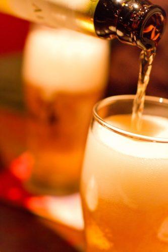 忘年会・飲み会シーズン到来!医師に聞いた、酒太り&二日酔いを防止する方法