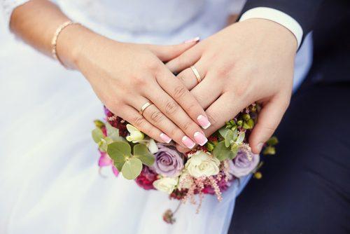 婚活、夫婦別姓、授かり婚…アリですか?男女2400名に聞いた「結婚観」は意外な結果に