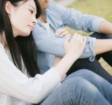 彼氏の元カノを探ったことがある女子は5割越え!彼氏の家で見つけてしまった「元カノとの思い出の品」